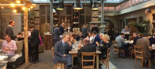 Winkeliers steken handen uit de mouwen op werkconferentie