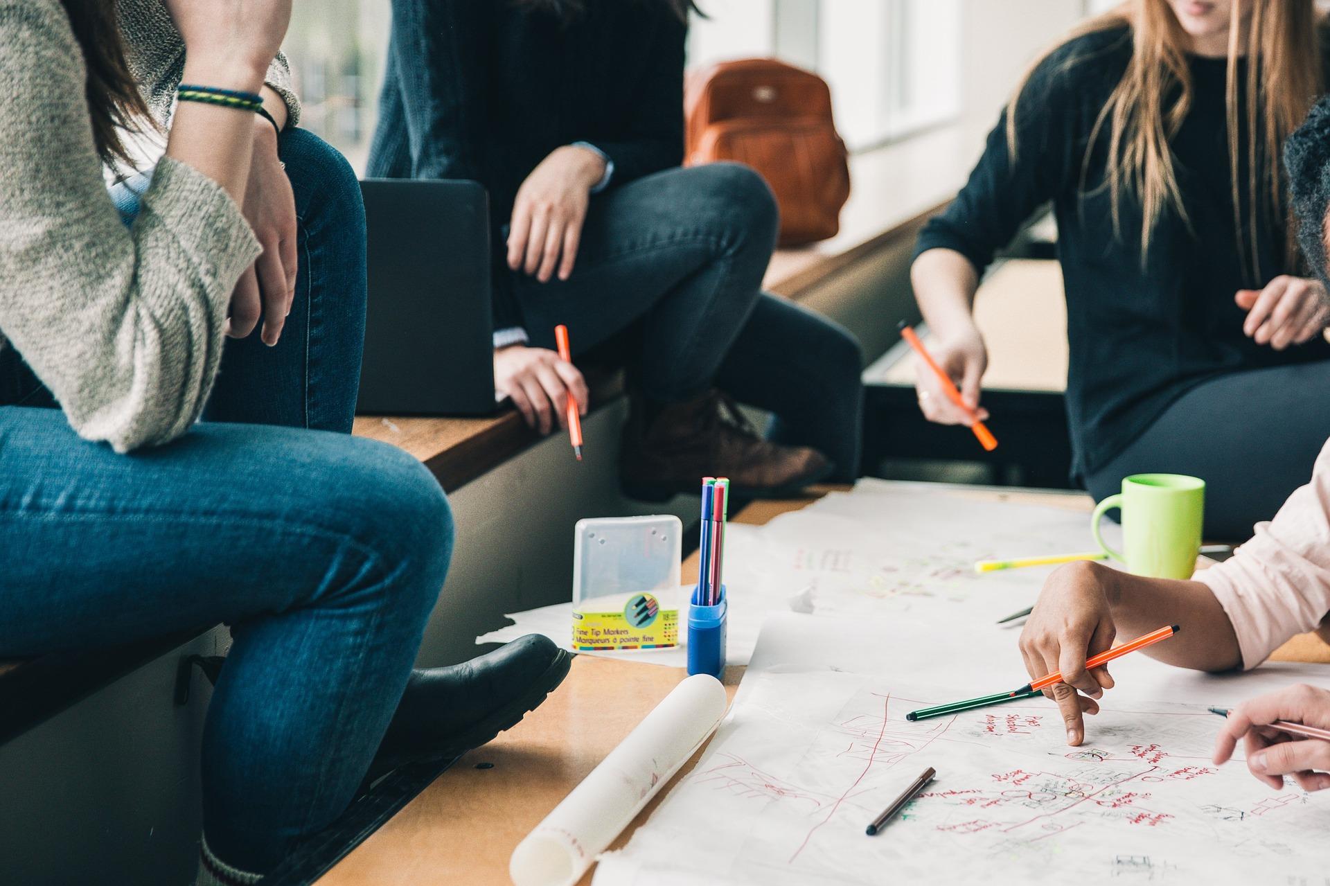 Hoe kunnen we sterkere verbinding creëren tussen leerlingen en arbeidsmarkt?